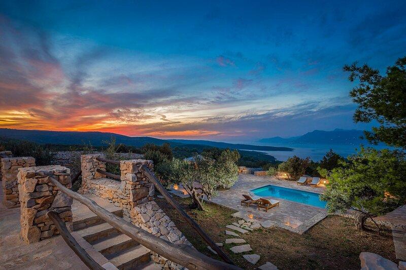 Beautiful Villa Mario, on the Island of Brac, vacation rental in Povlja