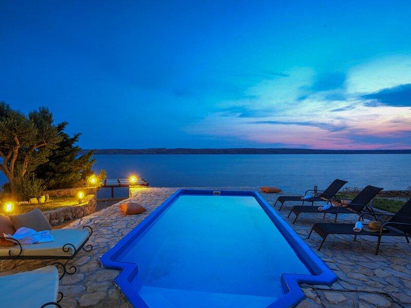 Beautiful Villa Mar Šarici, in Dalmatia, holiday rental in Baske Ostarije