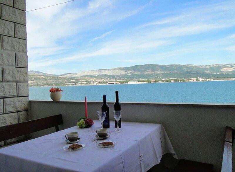 Dome - 30 m from beach :  A1(4) - Arbanija, alquiler de vacaciones en Arbanija