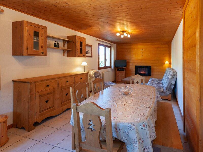 LE PRA COUTIN - appartement dans chalet de 65m², holiday rental in Levassaix