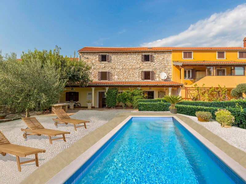 Villa Lucky, location de vacances à Fiorini