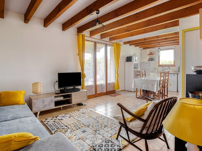 Maison mitoyenne T3, 5 personnes , WIFI proche lac sanguinet, location de vacances à Cazaux