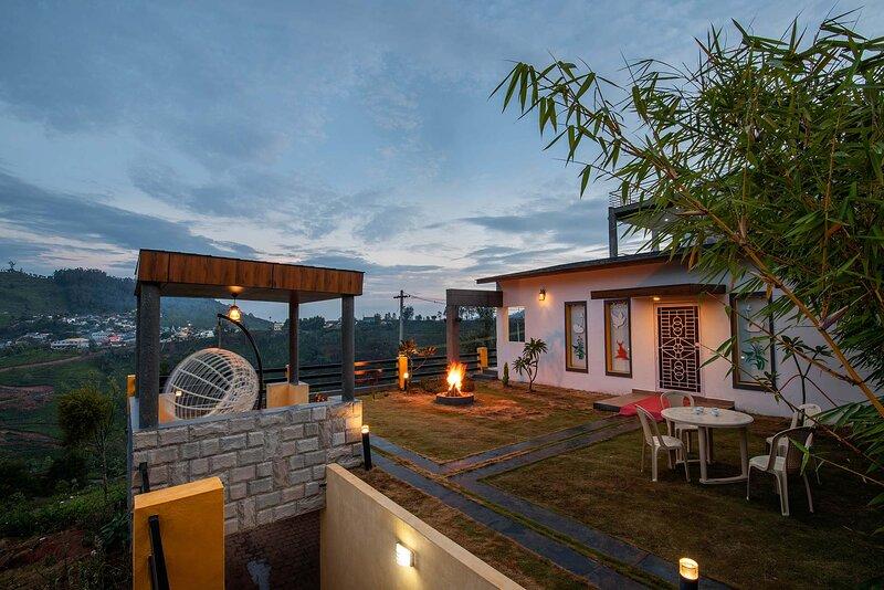Pakhi Villa by Vista Rooms, holiday rental in Ooty