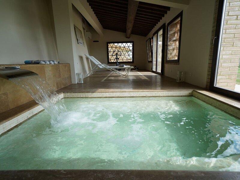 Villanovia Country House & Spa, casa vacanza a Volterra