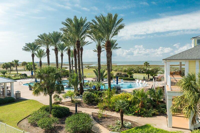 Sunset Vista By the Sea - Sparkling Pool and Bay Views! Enjoy Beach Club - Lazy, alquiler vacacional en Galveston Island