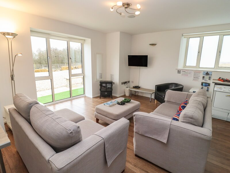 Cotswold View, Bourton-On-The-Water, holiday rental in Northleach