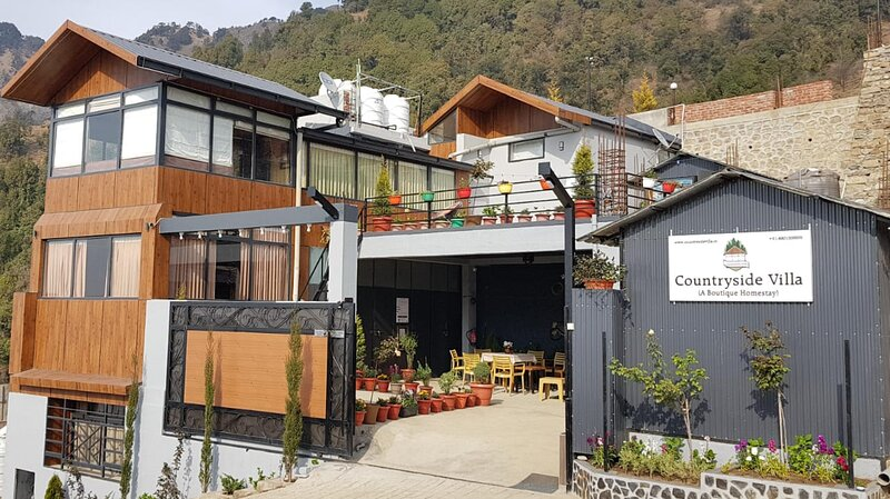 COUNTRYSIDE VILLA (2 Bedrooms,Living Room,Dining Room,Entertainment/Dance area, holiday rental in Tehri Garhwal District