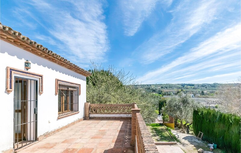 Awesome home in Malaga with Outdoor swimming pool, WiFi and 3 Bedrooms (EAC543) – semesterbostad i Setenil de las Bodegas
