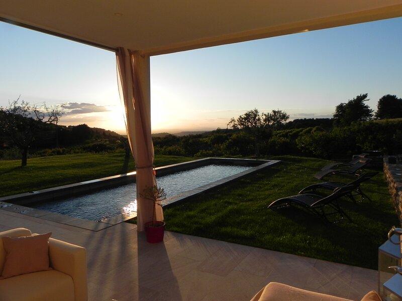 Villa exceptionnelle, avec vue Panoramique, location de vacances à Venasque