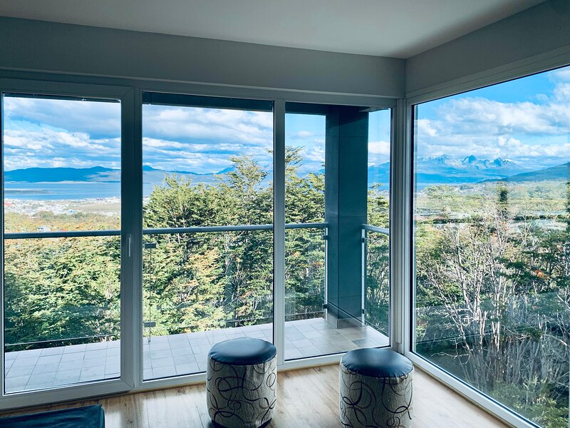 Modern apartment with incredible mountain views, aluguéis de temporada em Ushuaia