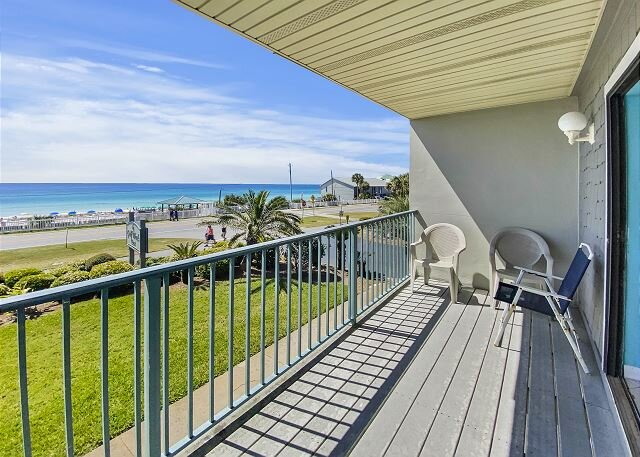 Townhome Boasting Beautiful Gulf Views ~ FREE Parasailing ~, aluguéis de temporada em Miramar Beach