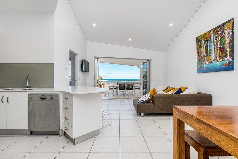 Waves -  Ocean View Apartment - New Listing, holiday rental in Skennars Head