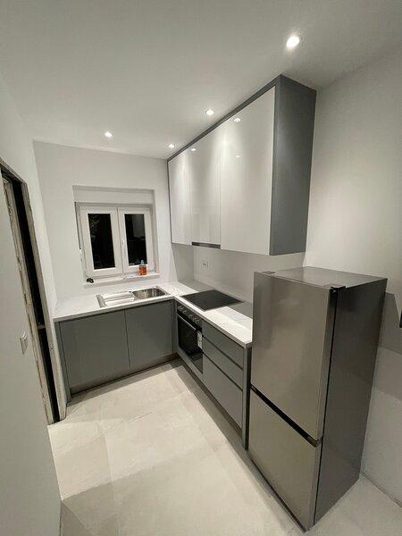 New Luxury Apartments With Sea View, casa vacanza a Baska Voda