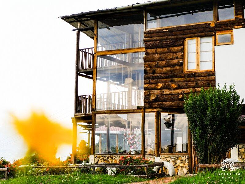 Cabaña en las montañas, Espeletia Home. Incluye desayuno, location de vacances à Tocancipa