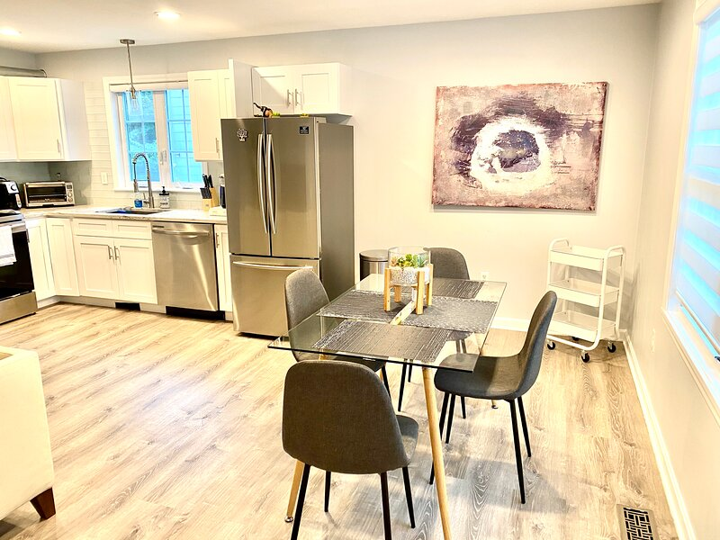 Dinning Room with Full kitchen