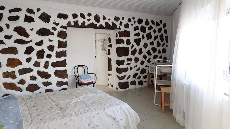 Studio In Frontera - Valle Del Golfo, With Wonderful Sea View, Enclosed Garden, vakantiewoning in Taibique