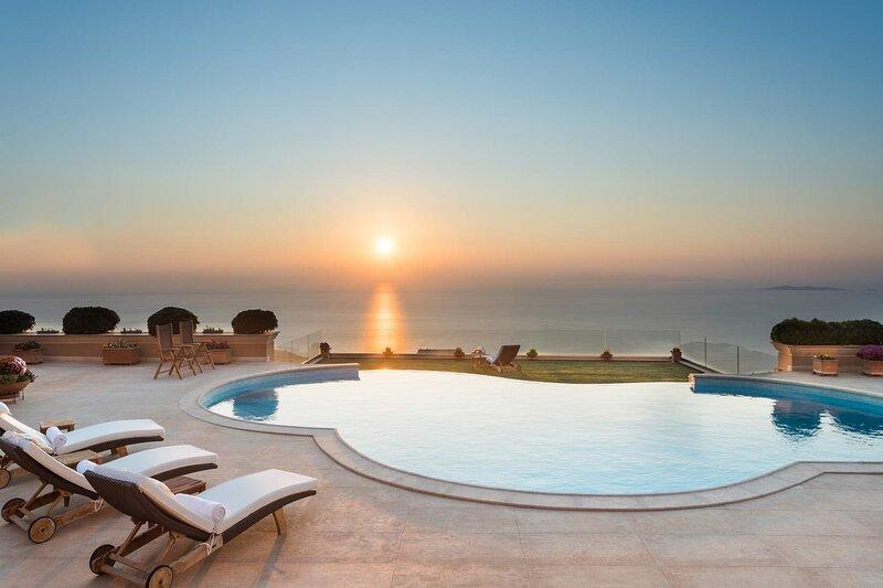 VILLA PRIMAVERA BY OLIVE VILLA RENTALS, holiday rental in Saronida