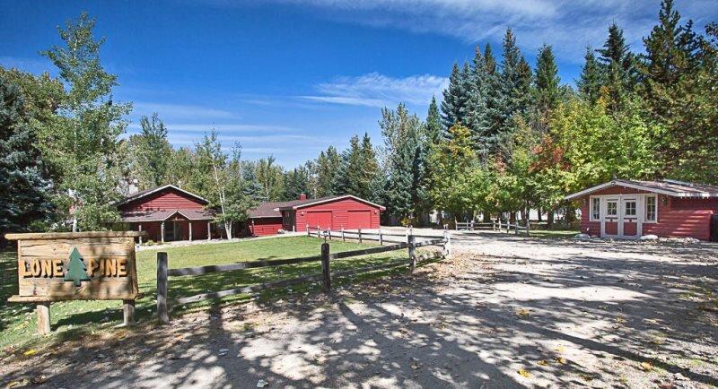 Lone Pine Lodge, casa vacanza a Clark