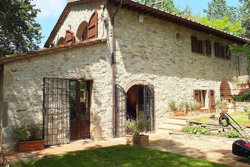 Casa La Misura in the heart of Chianti, holiday rental in Lucarelli