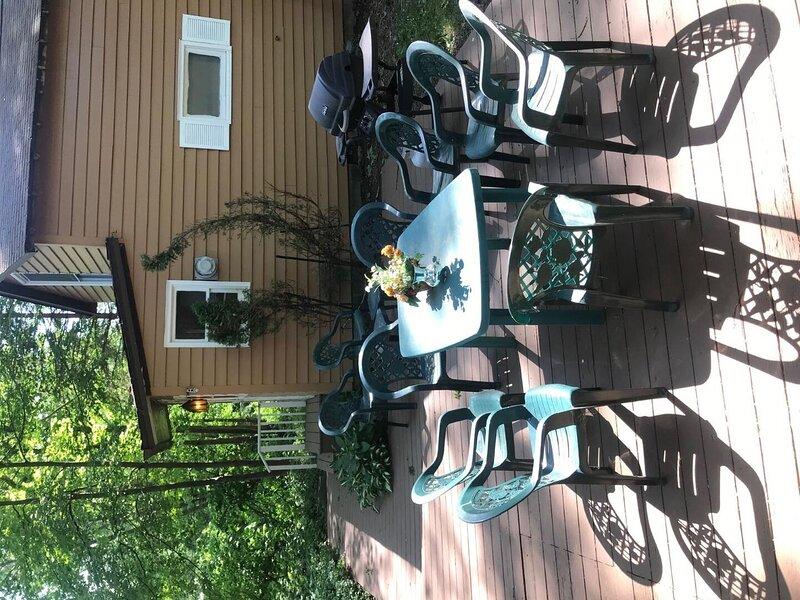6017 Elmwood Cottage, location de vacances à Westfield