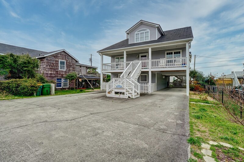 Paradise in Kure!!! SUNSHINE & SUMMER Will Be Here SOON! Reserve Today!, vacation rental in Kure Beach