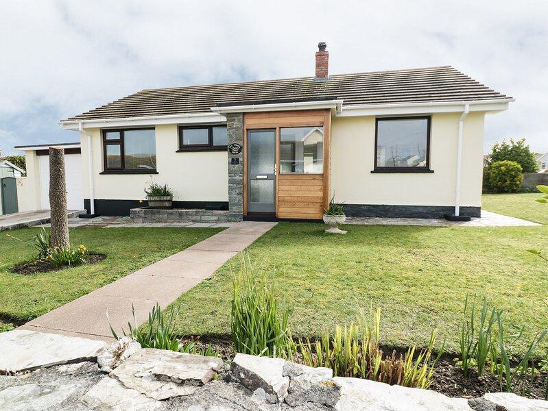 THE CORNER HOUSE, 2 Bedroom, Central Location, Enclosed Garden, Ref:983143, Ferienwohnung in Crantock