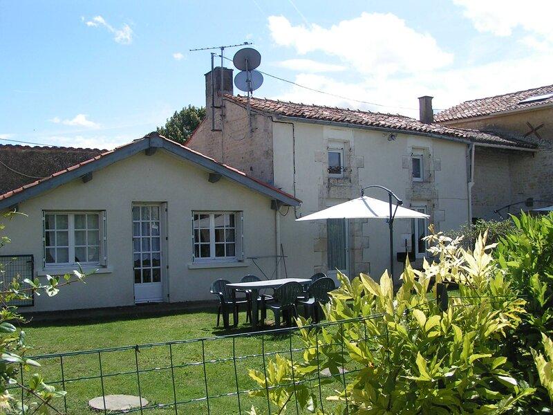 Pegasus, Les Constellations, holiday rental in Doeuil sur le Mignon