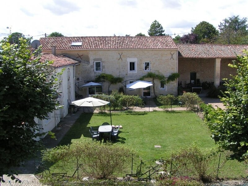 Gite Andromeda - Les Constellations, holiday rental in Doeuil sur le Mignon