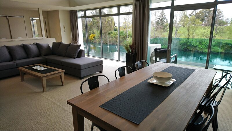 Riverside Apartment Taupo NZ, holiday rental in Taupo