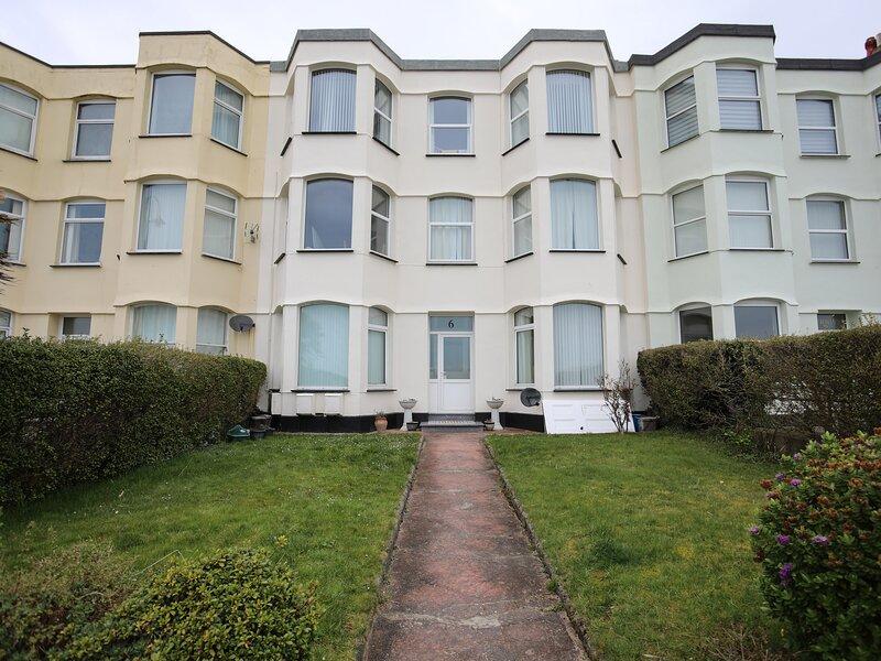 Flat 1, Pwllheli, holiday rental in Efailnewydd