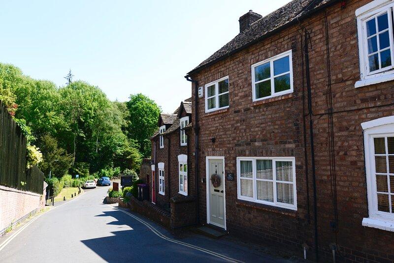 Victoria Cottage, Beautifully Renovated, World Heritage Ironbridge, Shropshire, holiday rental in Jackfield