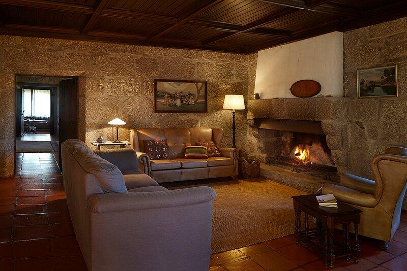 Casa Rural às portas do Parque do Gerês, vacation rental in Gondoriz