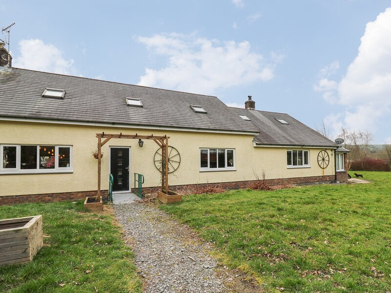 Tynewydd Fields, Cross Inn, vacation rental in Ciliau Aeron