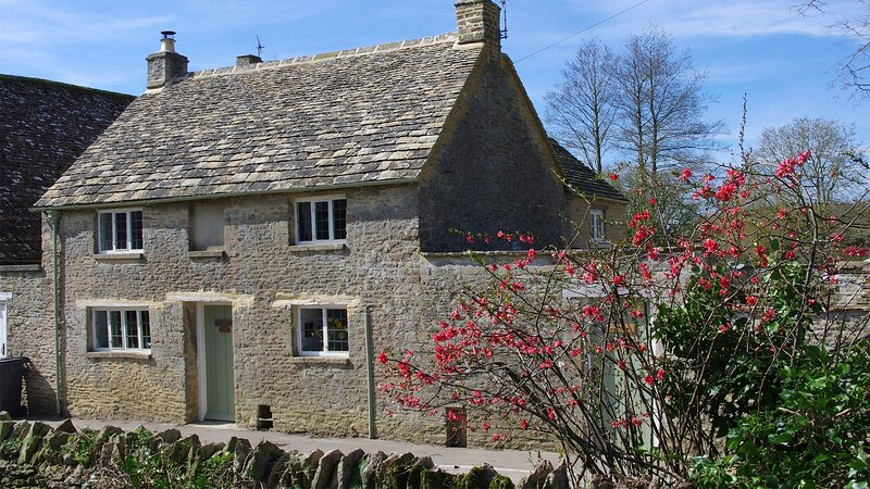Maisey Cottage, Kencot, Cotswolds - sleeps 4 guests in 2 bedrooms, location de vacances à Clanfield