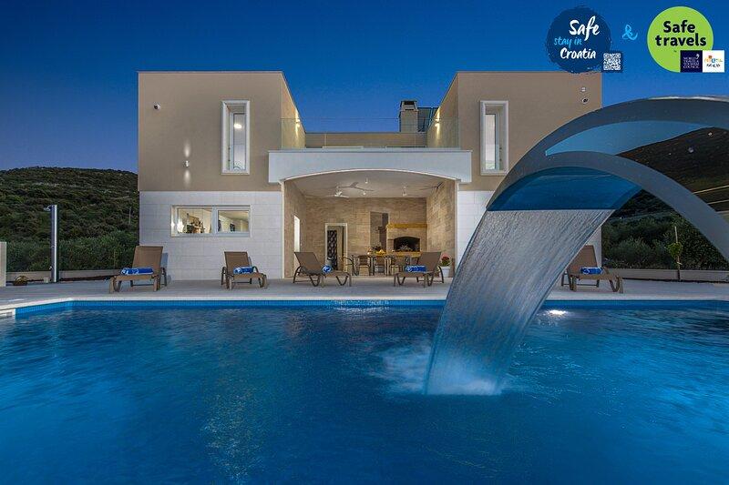 Lovely Villa Madelaine, location de vacances à Marina
