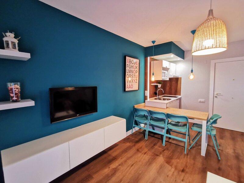 Moderno apartamento recién reformado en Triana, muy cerca del centro de Sevilla, alquiler de vacaciones en Dos Hermanas