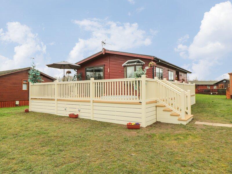 Jean's Lodge- Malton Grange, Malton, vacation rental in Swinton