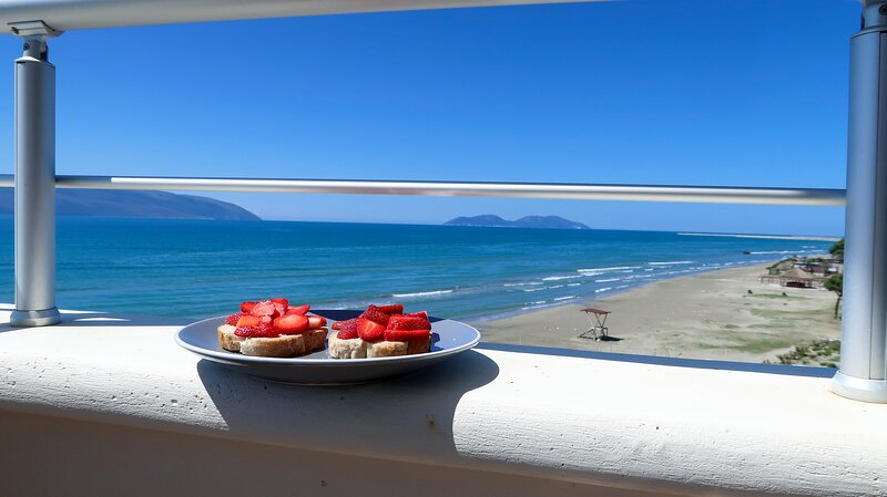 On the Beach (literally) stylish apartment with free P. A luxury relaxing time!, holiday rental in Vlore