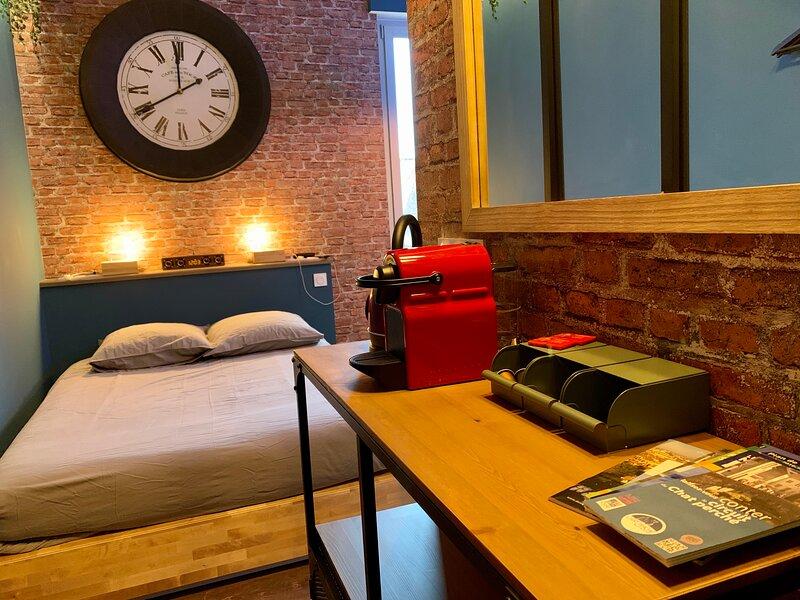 ★ Studio Grévy ★ Coeur centre ville - Wifi Netflix, holiday rental in Dole