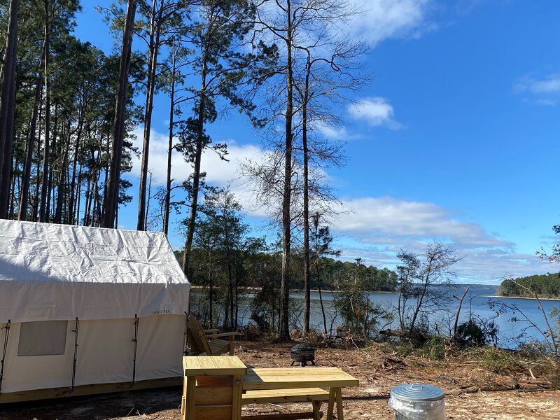 Tentrr State Park Site - South Toledo Bend State Park Site C, vacation rental in Negreet