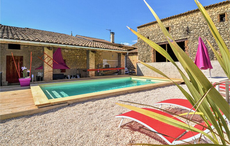 Stunning home in Saint-Gervais with Outdoor swimming pool and 3 Bedrooms (FLG585, holiday rental in Venejan