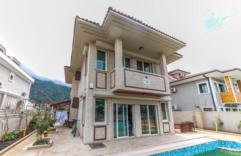 Villa Mo Daly Weekly Rentals, holiday rental in Hisaronu