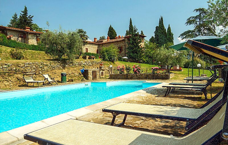 Stunning home in Capolona with Outdoor swimming pool, WiFi and 9 Bedrooms (ITA07, holiday rental in Falciano