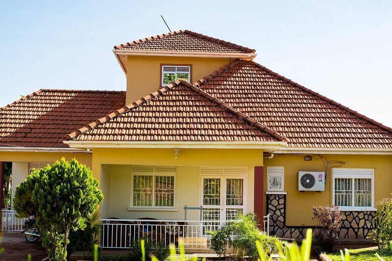 3 Bed  THE Allentoft  House, Akright City, holiday rental in Bwerenga