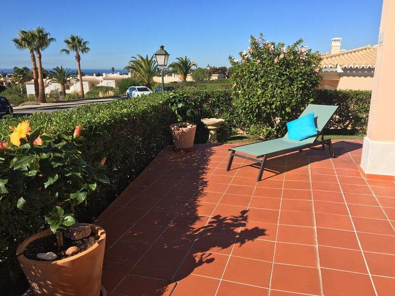 Luxury Cluster Villa, holiday rental in Benagil