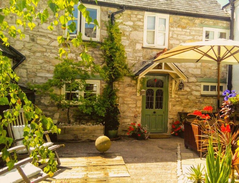 Castle Street Cottage - Ruthin, holiday rental in Llanarmon-yn-Ial