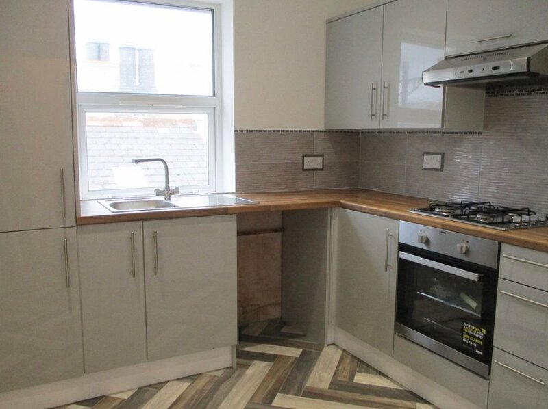 Flat 2, 34A John Street, vacation rental in Porthcawl