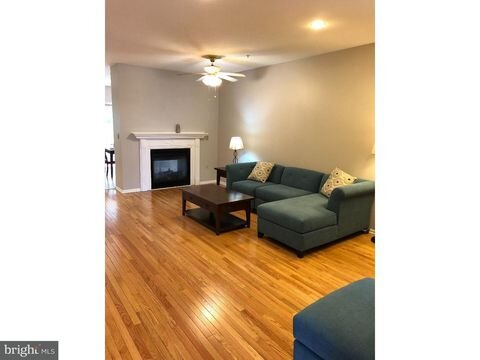 ** Traveling Nurses - Fully Furnished Quiet Home near Philly and A+ Hospitals **, vacation rental in Malvern