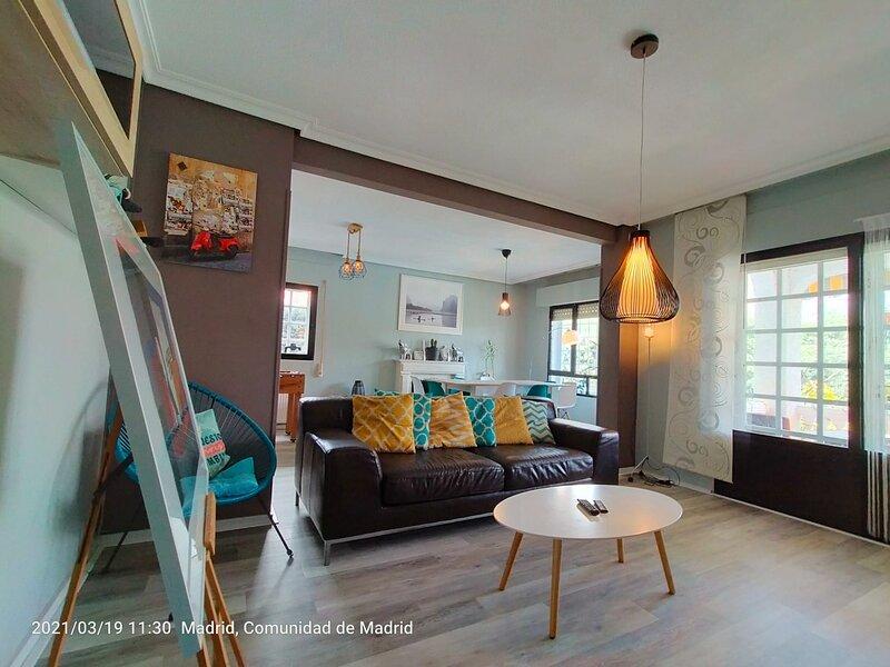 Chalet con 5 dormitorios, Piscina, alquiler vacacional en Griñón