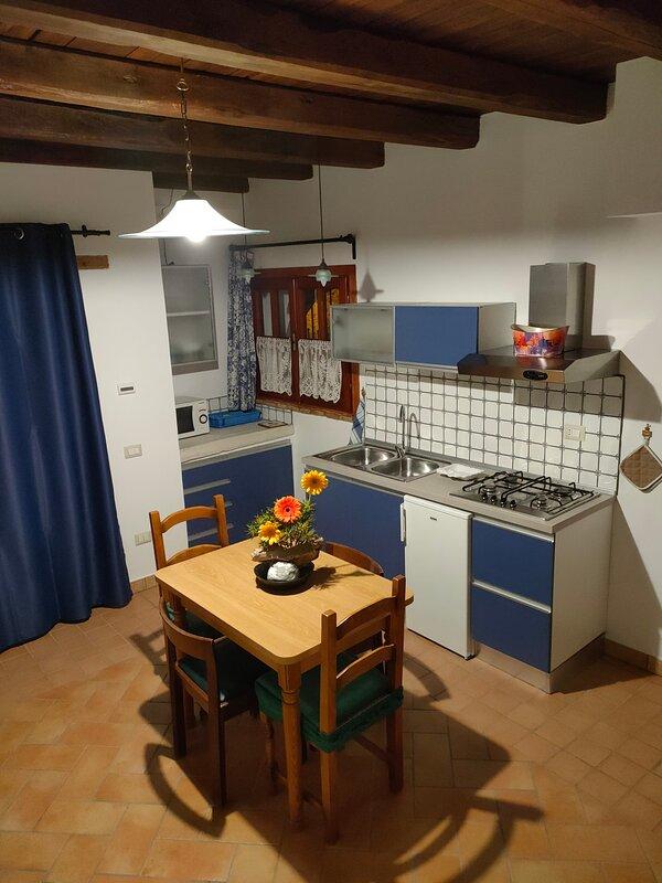 Monolocale situato nel centro storico, casa vacanza a Riano